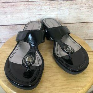 Marc Fisher Alist Patent Leather Thong Sandal Sz8M